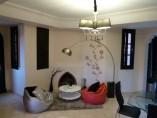 VENDU! Villa 3Chs - 3 SDB - 2 Salons - Terrasse - 189m2 - piscine - jardin