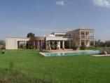 Villa de 432m2 | 4 Chambres - 4 SDB | 3 salons | piscine | jardin