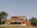 Villa contemporaine 400 m2 | 4 Ch | 3.5 SDB | Piscine | Jardin