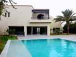 Villa 430 m2 | 4 ch | salon | 4 SDB | piscine | jardin | 4.950.000 Dh