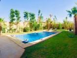 Villa contemporaine 250m2 | 3Ch | 3.5 SDB | Piscine | Jardin | Terrasse