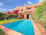 Villa contemporaine 260m2 | 3Ch | 2.5 SDB | Piscine | Jardin  | Vue sur Atlas | 2.800.000-Dh